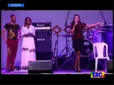 Ethiopian actors hold music competition at Fasika special program