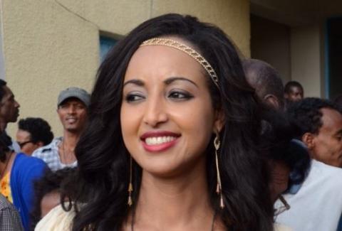 Bekenat Mekakel - Episode 73 (Ethiopian Drama)
